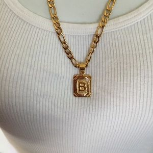 "Other - New 18k gold "" B "" necklace"